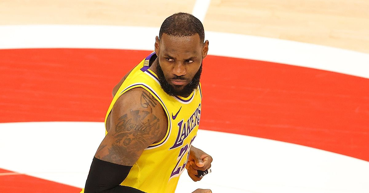 LeBron James getting heckled by a inebriated couple is the NBA's finest fresh meme