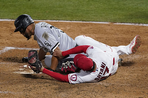 , Tim Anderson exits with a tight hamstring in the 1st inning before the Chicago White Sox lose 7-4 to the Los Angeles Angels on a walk-off, 3-run homer in the 9th