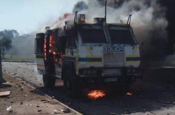 News24.com | Police take legal action after Nyala torched, cops injured during violent WSU student protests